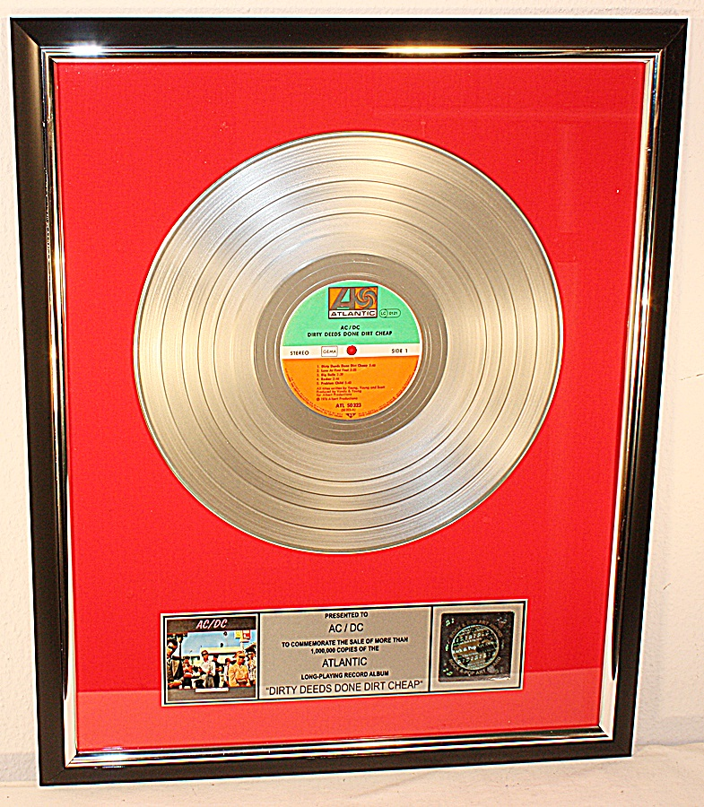 AC-DC-AC-DC-Dirty-Deeds-Done-Dirt-Cheap-Platin-Record-Schallplatte-Award-gold